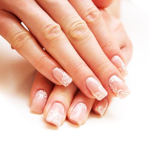 Manicure żelowy czy hybrydowy - co wybrać?